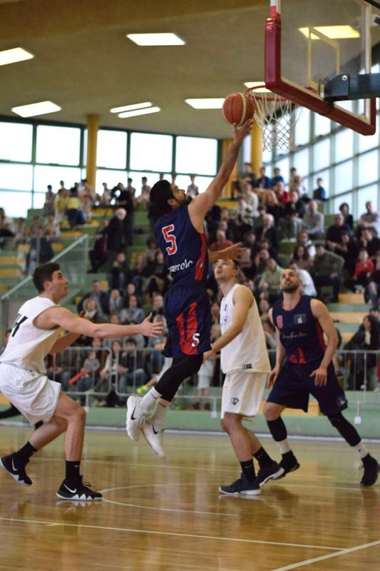 Il Bologna Basket 2016 demolisce Fidenza e vola nei playoff