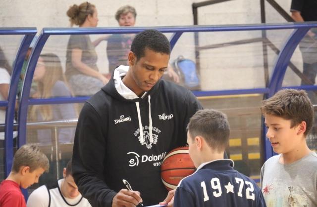 L'Aquila Basket Trento a Costermano (VR) ospite del polo Westar