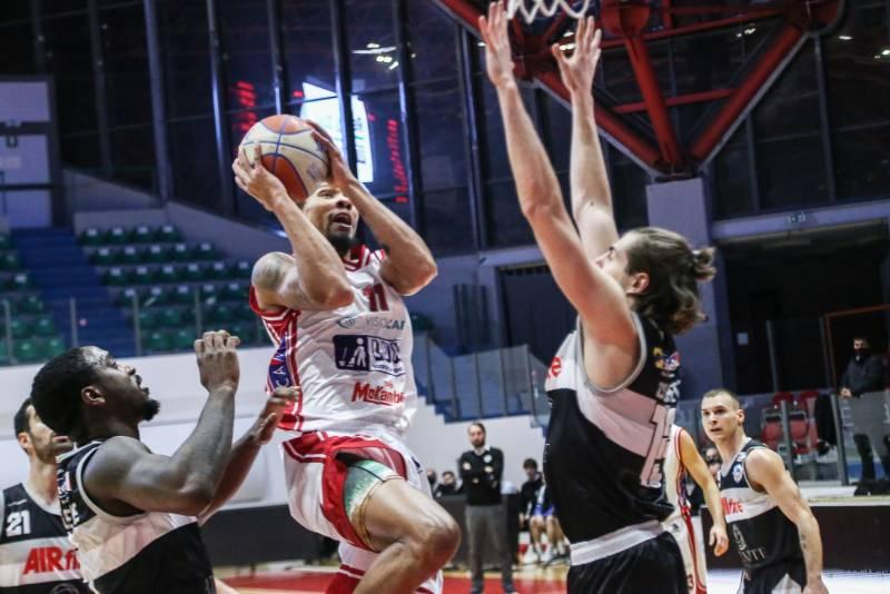 Non c'è 2 senza 3: ancora vittoria, stavolta in trasferta a Chieti, per l'Atlante Eurobasket Roma