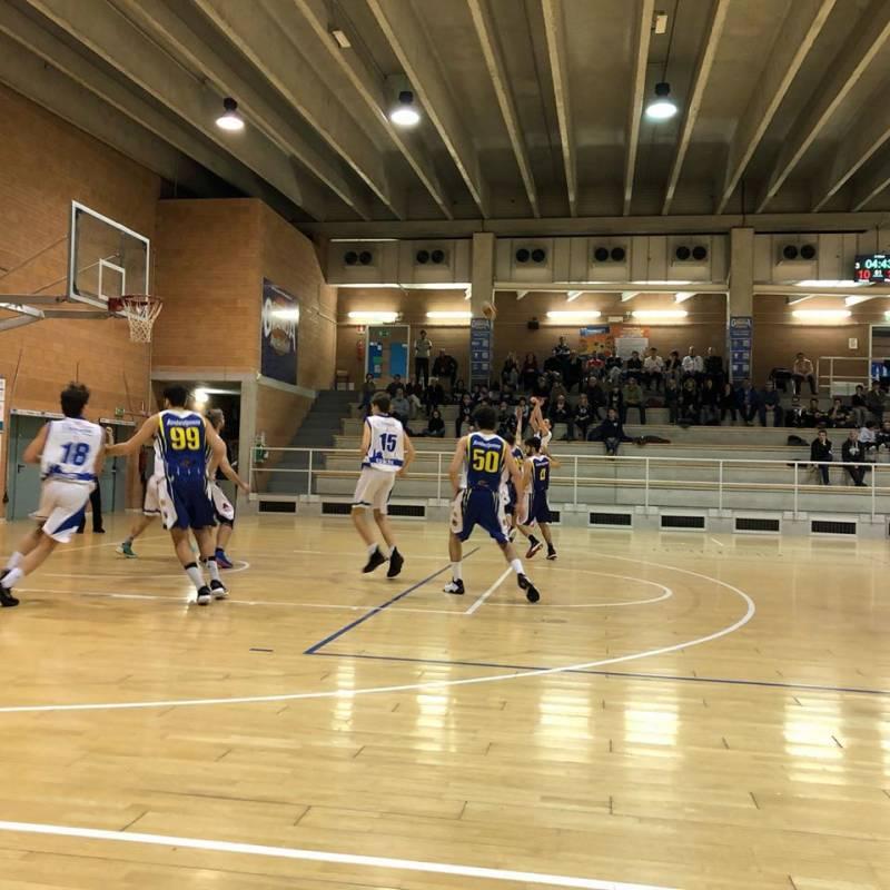 Non inizia bene il 2020 per la Cuneo Granda Basket Cuneo che perde lo scontro al vertice con Alter