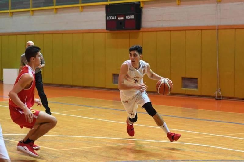 Scuola di Basket Viola: vittoria pazzesca a Pianopoli