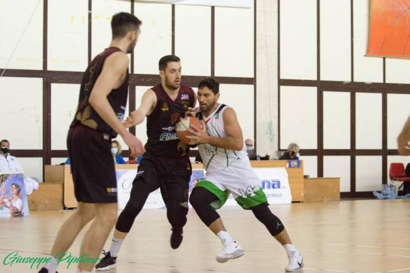 Green, al PalaMangano passa Cremona: finisce 66-88 per i lombardi