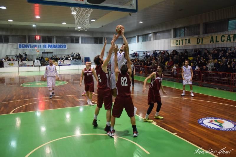 Prosegue il momento positivo per il Basket Acireale