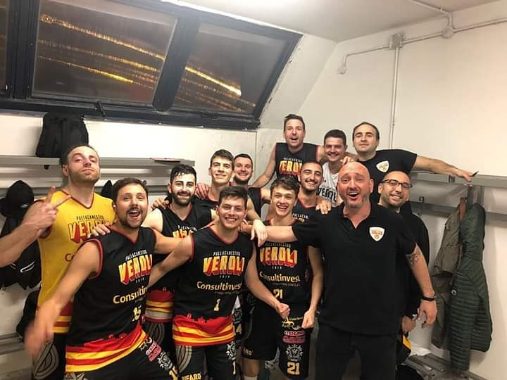 Pallacanestro Veroli espugna il campo della Nova Ciampino mantenendo vive così le speranze playoff