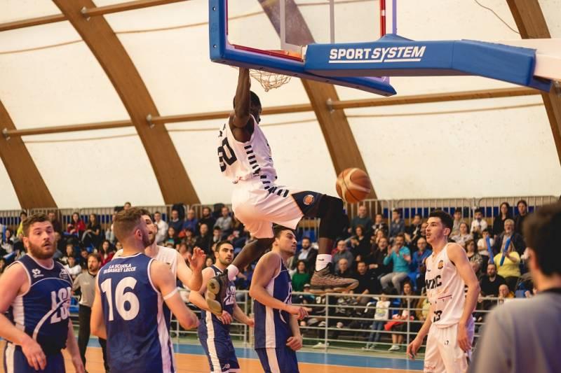 NMC pronta alla C Silver, +15 nello spareggio contro la Scuola di Basket Lecce. Grande festa a Corat