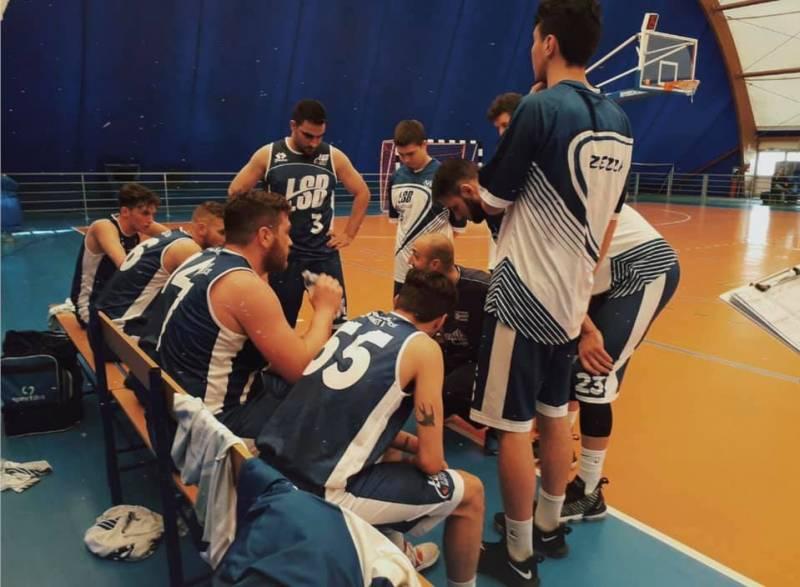 NMC pronta alla C Silver, +15 nello spareggio contro la Scuola di Basket Lecce.Grande festa a Corato