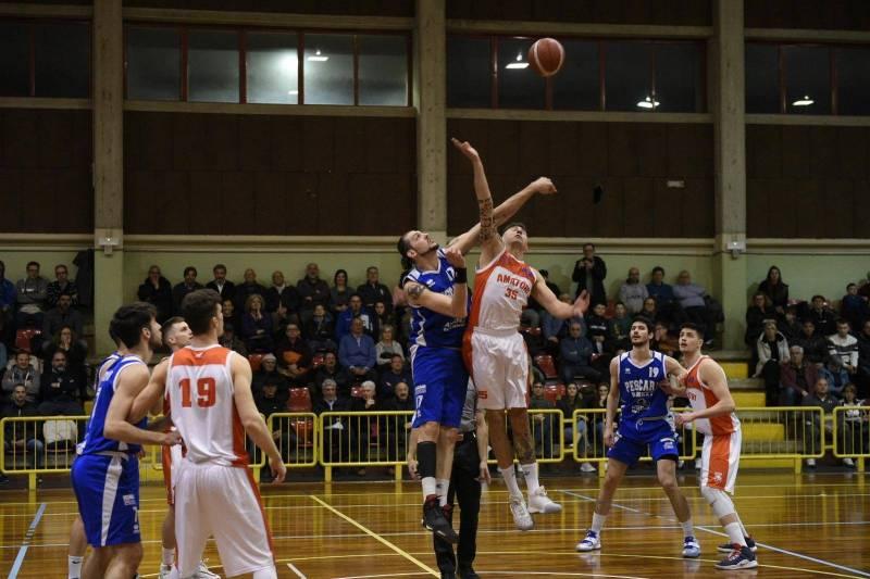 Prova di forza della Pescara Basket: successo largo nel derbyssimo e regular season vinta