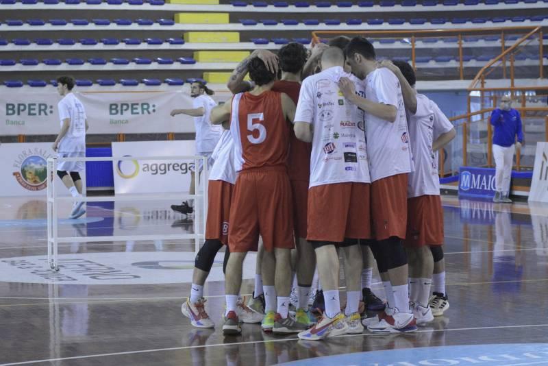 Ultimo quarto da incubo contro Matelica e prima sconfitta stagionale per la Pescara basket