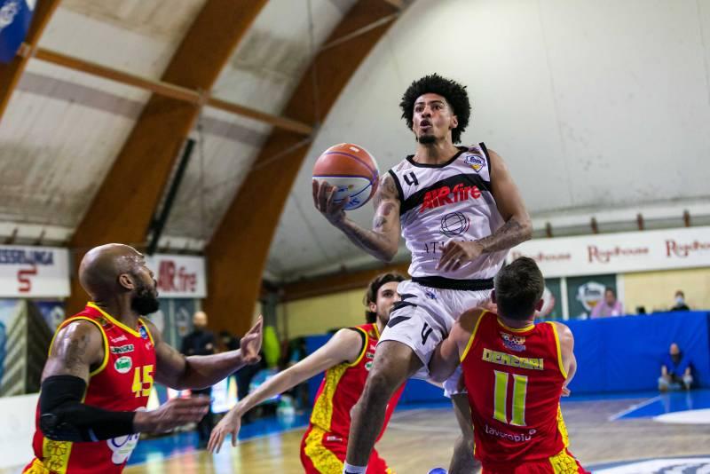 L'Atlante Eurobasket Roma non si ferma: superata anche L'Orasì Ravenna