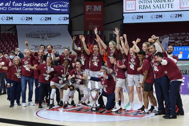 Umana Reyer Venezia super Famila Wuber Schio alla bella: è Campione d'Italia 2020/21!
