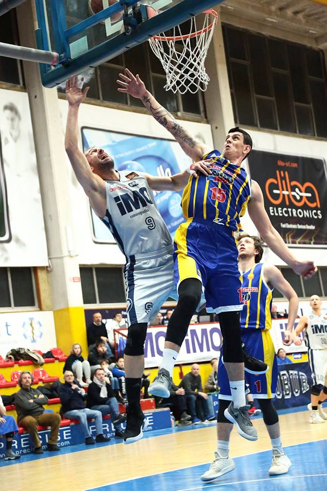 Vola la iMO Robur Basket Saronno che batte anche Mortara ed è matematicamente qualificata ai playof