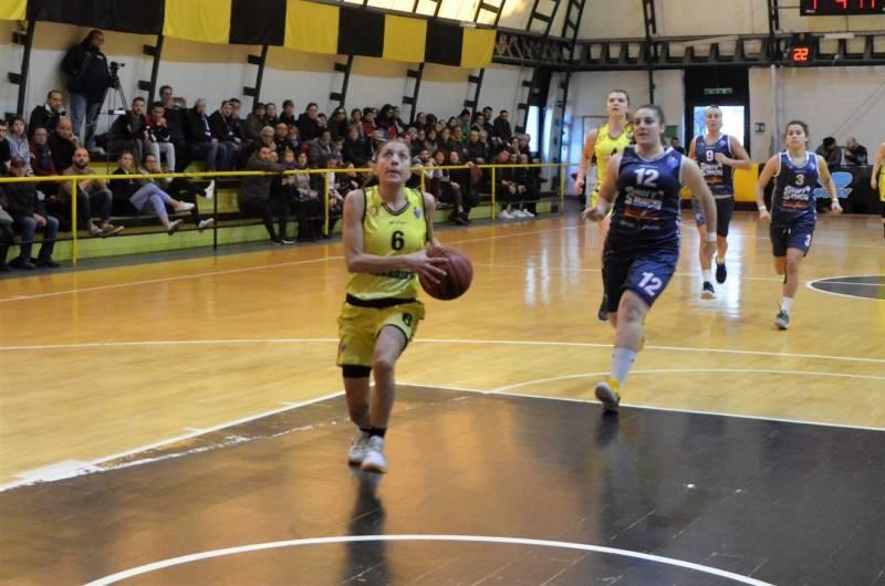 Il derby si tinge di giallonero: il San Salvatore supera il Cus e continua a sperare nei playoff