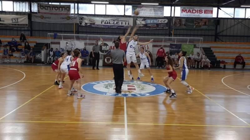 Cinquina per il Basket Girls. A Matelica vittoria sul filo di lana