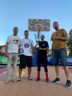I fratelli Roberti e Dario Romboli s'aggiudicano il 3° memorial Tommaso Sicignano di basket 3 vs 3
