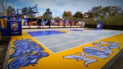 Taglio del nastro per il primo campo play-ground di basket ad Arezzo